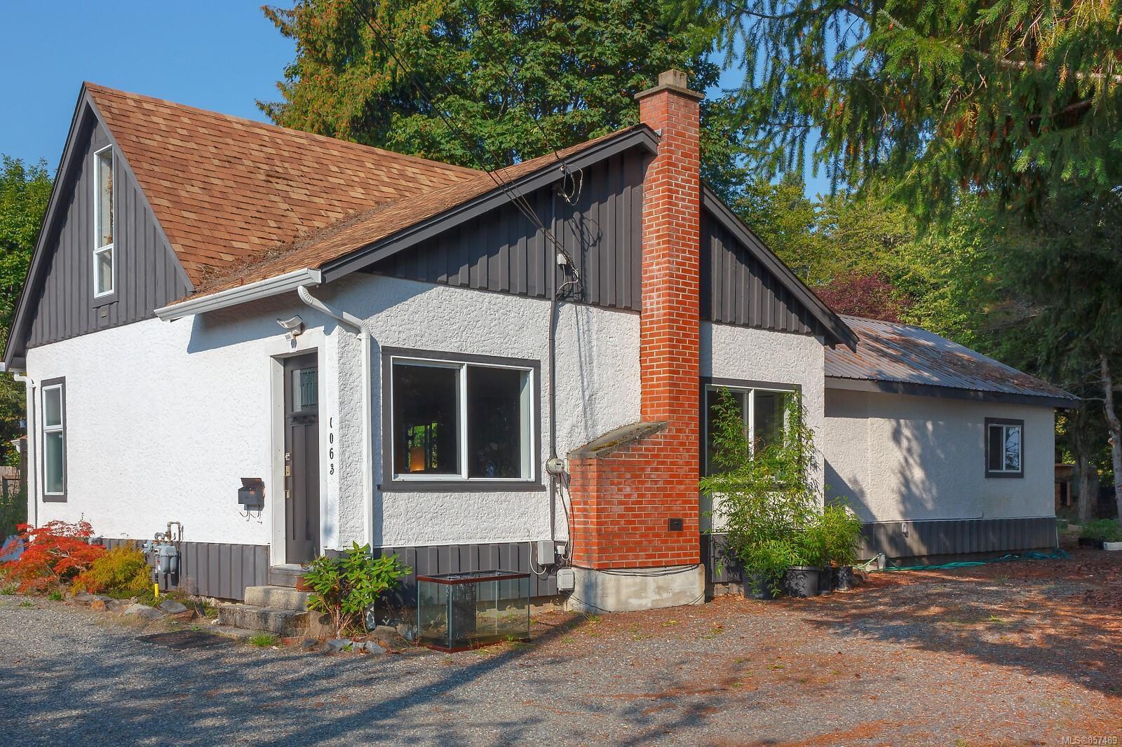 Main Photo: 1063 Vista Ave in : Du West Duncan House for sale (Duncan)  : MLS®# 857489
