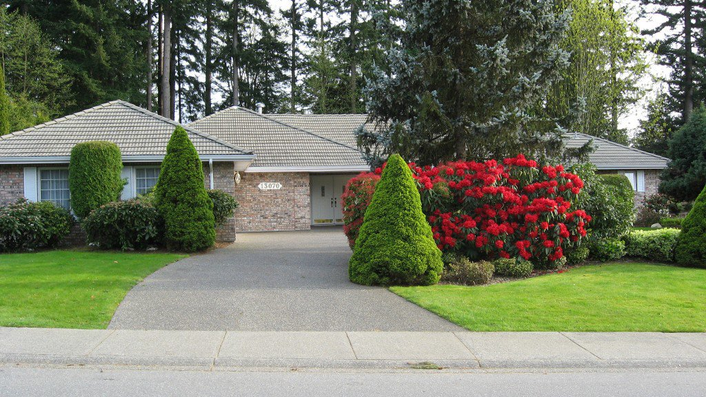 """Main Photo: 13070 22A Avenue in Surrey: Elgin Chantrell House for sale in """"Ocean Park"""" (South Surrey White Rock)  : MLS®# F1203784"""