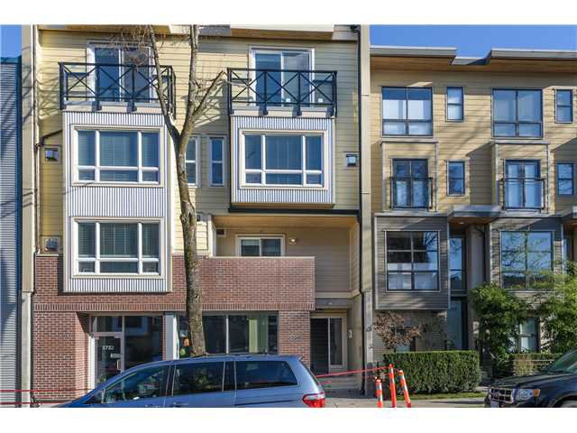 "Main Photo: 205 3736 COMMERCIAL Street in Vancouver: Victoria VE Townhouse for sale in ""Elements"" (Vancouver East)  : MLS®# V977814"