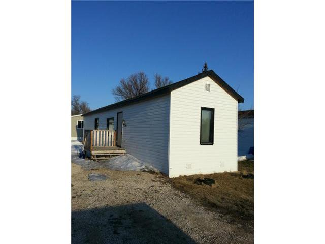 Main Photo: 12 SEINE Avenue in LORETTE: Dufresne / Landmark / Lorette / Ste. Genevieve Residential for sale (Winnipeg area)  : MLS®# 1307170