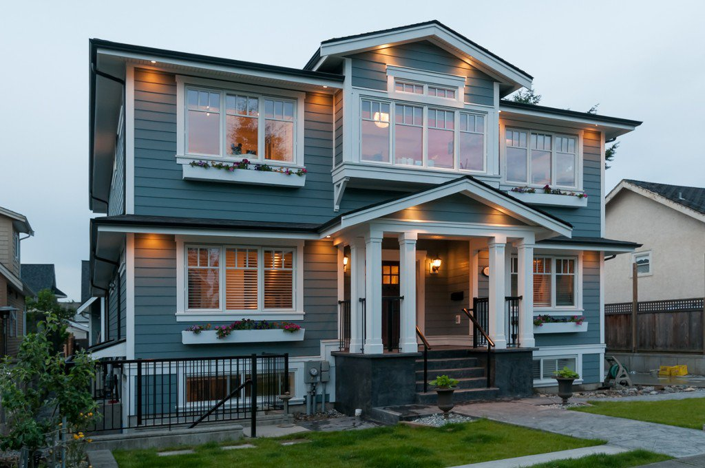 """Main Photo: 711 4TH ST in New Westminster: GlenBrooke North House for sale in """"GLENBROOKE NORTH"""" : MLS®# V1011814"""