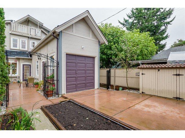 Photo 19: Photos: 1538 E 10 Avenue in Vancouver: Grandview VE House 1/2 Duplex  (Vancouver East)  : MLS®# V1092394