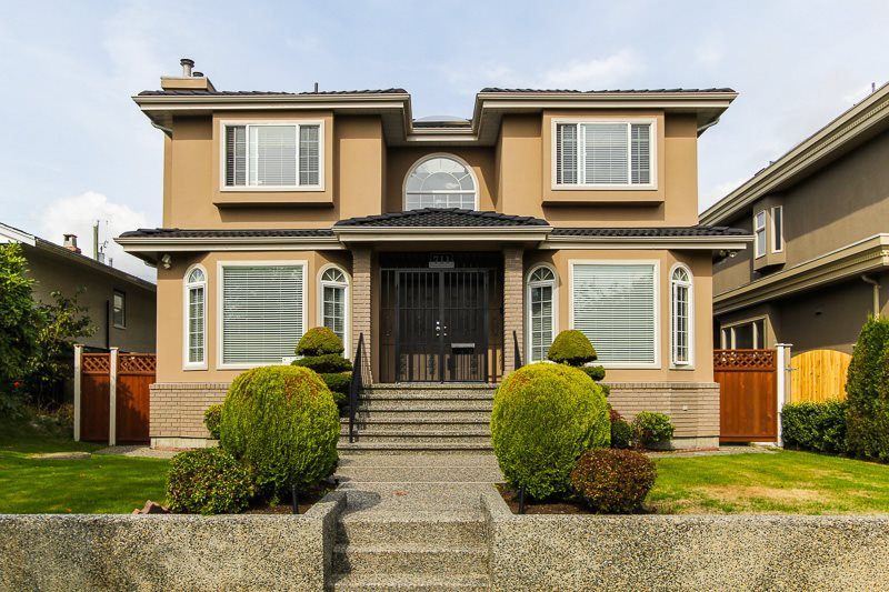 Main Photo: 711 West 61 Avenue in Vancouver: Marpole House for sale (Vancouver West)  : MLS®# r2000476