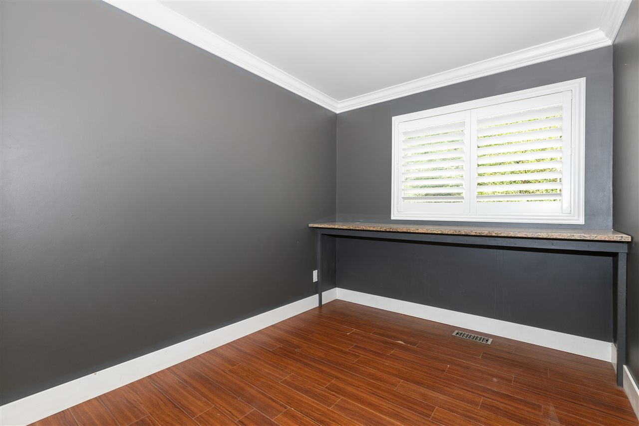 Photo 9: Photos: 1680 CONNAUGHT Drive in Port Coquitlam: Lower Mary Hill House for sale : MLS®# R2416720