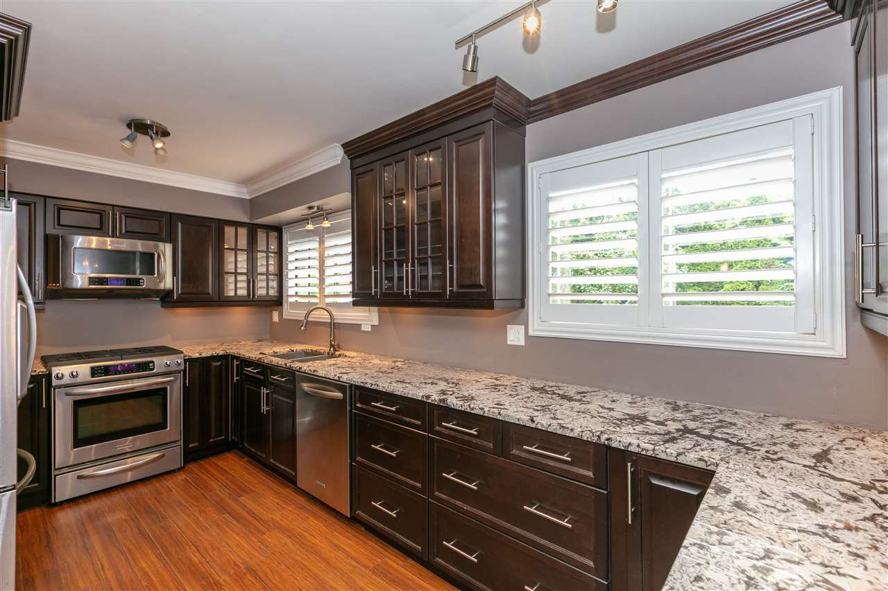 Photo 5: Photos: 1680 CONNAUGHT Drive in Port Coquitlam: Lower Mary Hill House for sale : MLS®# R2416720