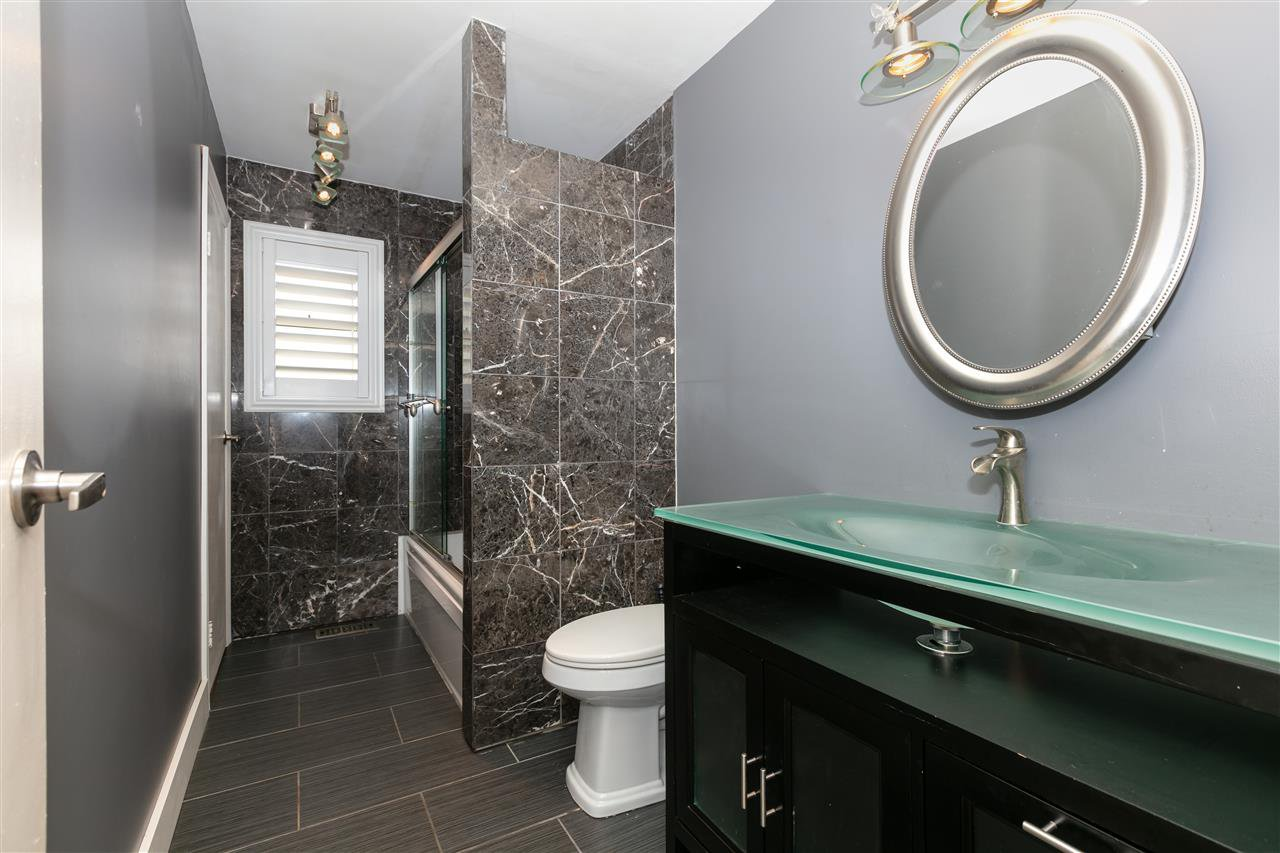 Photo 10: Photos: 1680 CONNAUGHT Drive in Port Coquitlam: Lower Mary Hill House for sale : MLS®# R2416720