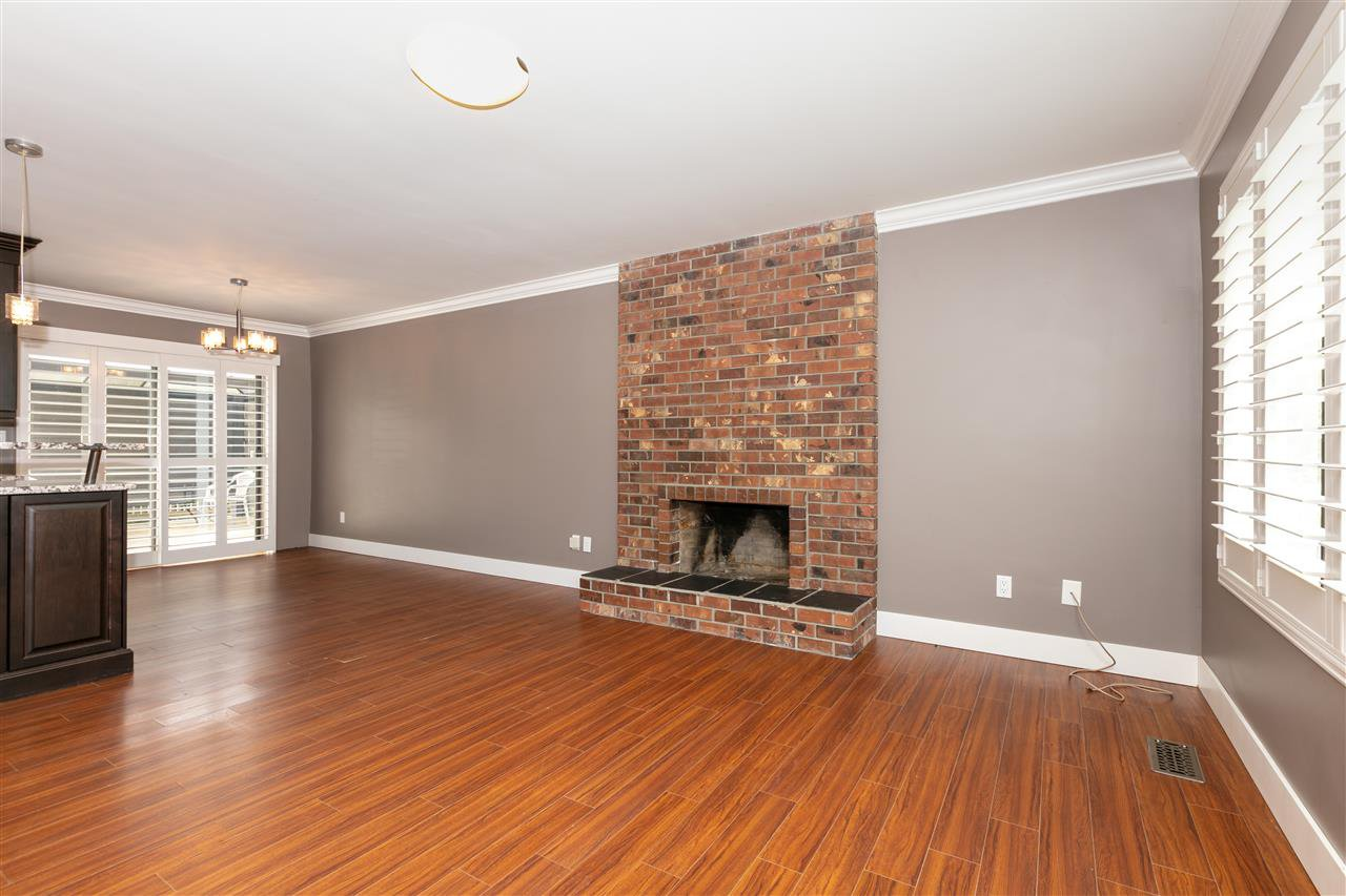 Photo 2: Photos: 1680 CONNAUGHT Drive in Port Coquitlam: Lower Mary Hill House for sale : MLS®# R2416720