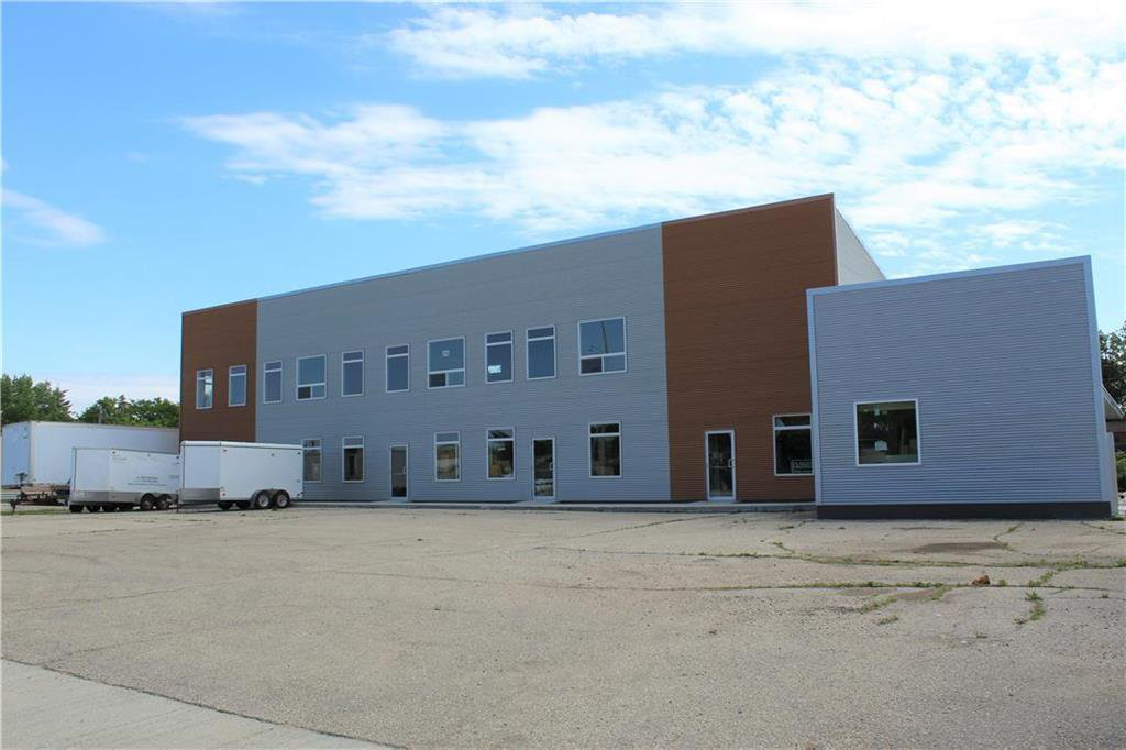 Main Photo: 146 MAIN Street South in Morris: Industrial / Commercial / Investment for sale (R17)  : MLS®# 202013973