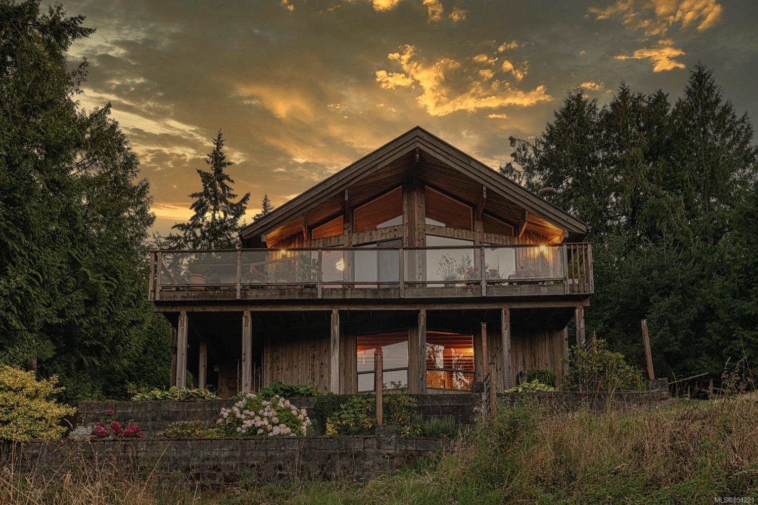 Main Photo: 125 Creekside Dr in : GI Salt Spring House for sale (Gulf Islands)  : MLS®# 854221