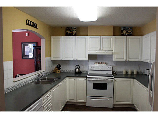 Photo 2: Photos: # 34 6588 SOUTHOAKS CR in Burnaby: Highgate Condo for sale (Burnaby South)  : MLS®# V1032388