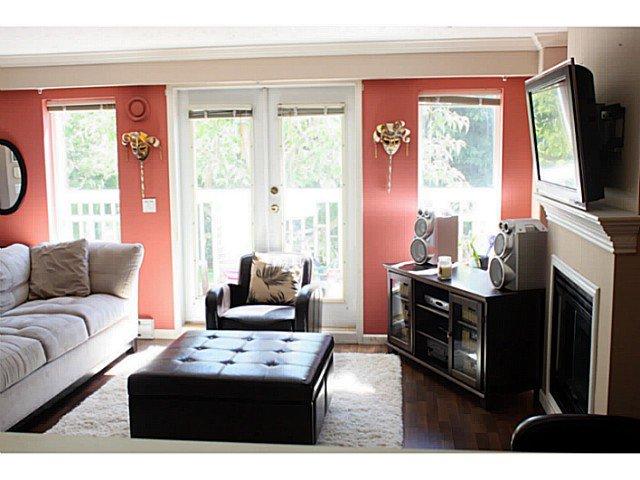 Photo 4: Photos: # 34 6588 SOUTHOAKS CR in Burnaby: Highgate Condo for sale (Burnaby South)  : MLS®# V1032388