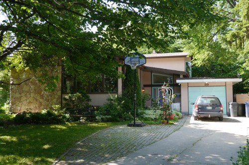 Main Photo: 39 MacAlester Bay in Winnipeg: Fort Richmond Single Family Detached for sale (South Winnipeg)  : MLS®# 1411439