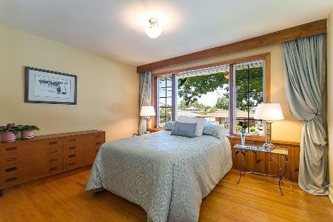 Photo 13: Photos: 1 Mangrove Road in Toronto: Rustic House (Bungalow-Raised) for sale (Toronto W04)  : MLS®# W2978109