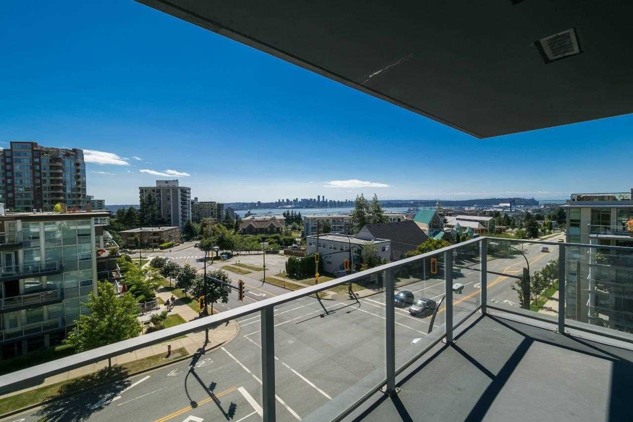 Main Photo: 403 1320 CHESTERFIELD AVENUE in North Vancouver: Central Lonsdale Condo for sale : MLS®# R2092309