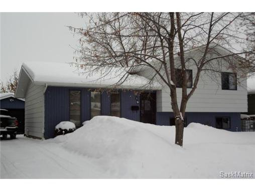 Main Photo: 219 Molloy Street in Saskatoon: Silverwood Heights Single Family Dwelling for sale (Saskatoon Area 03)