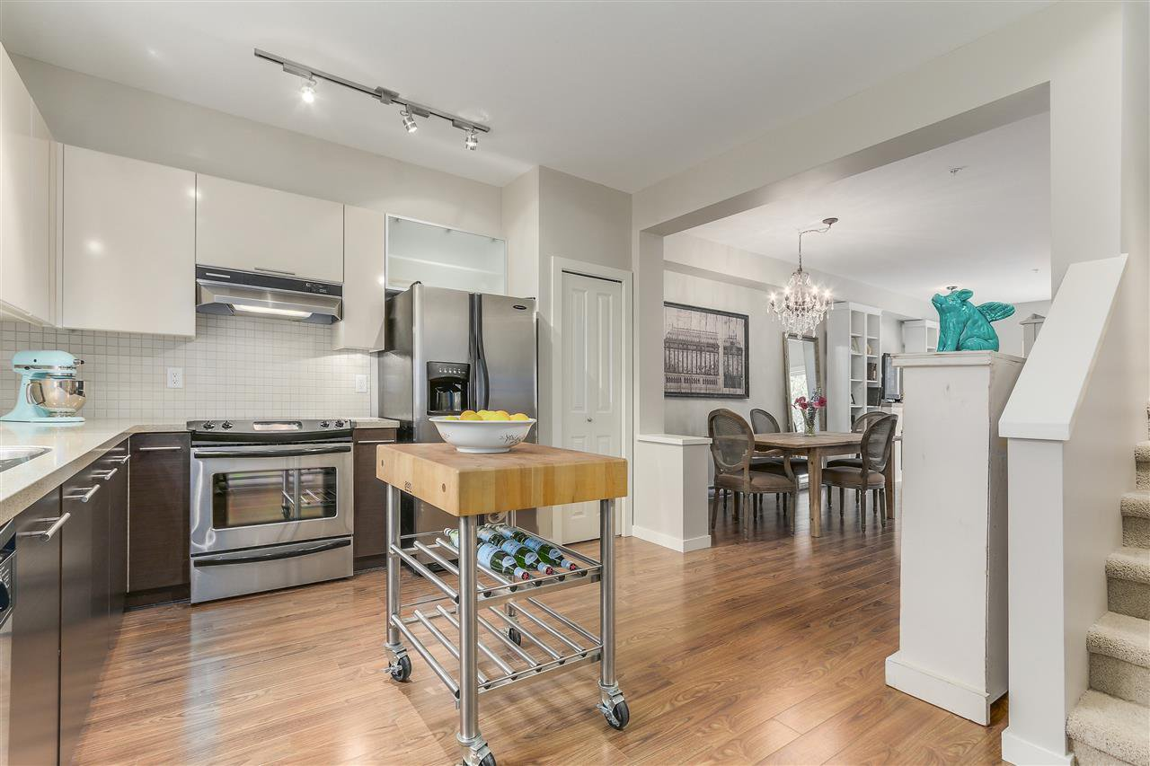 Main Photo: 6 550 BROWNING PLACE in North Vancouver: Seymour NV Townhouse for sale : MLS®# R2106152