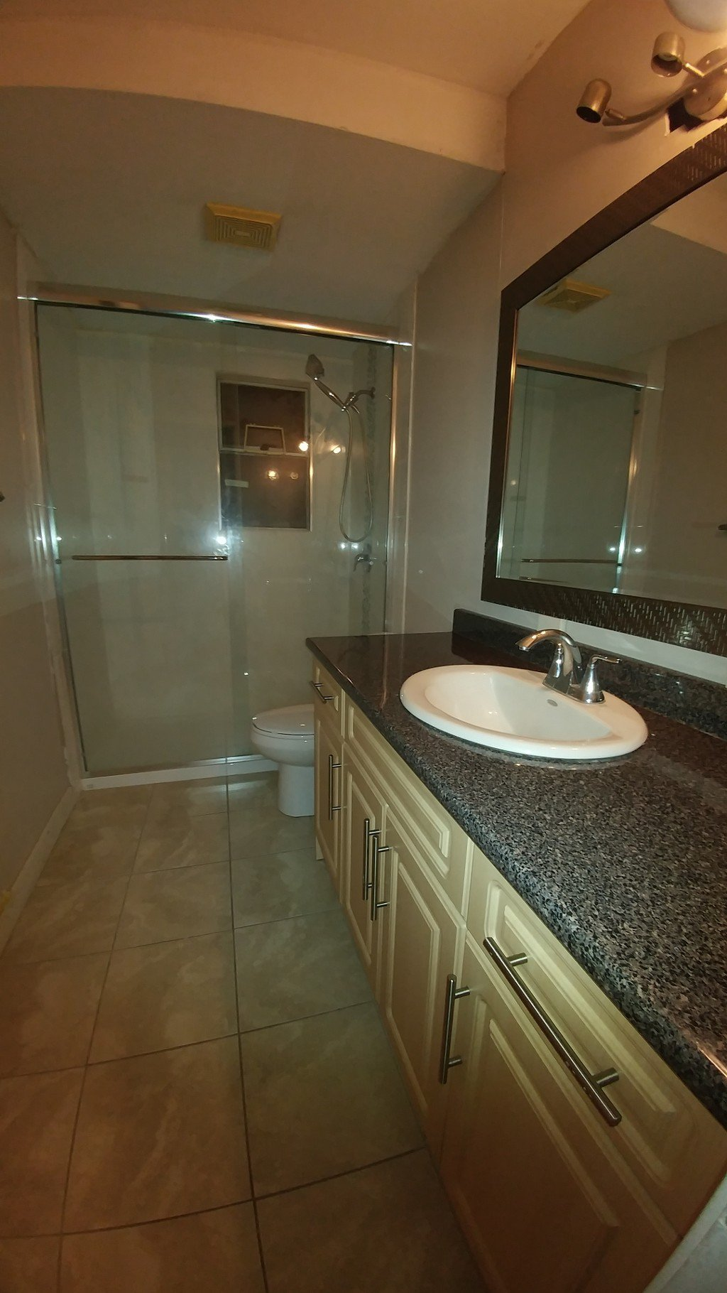 Photo 3: Photos: 5442 Rumble St in Burnaby: Condo for rent (Burnaby South)