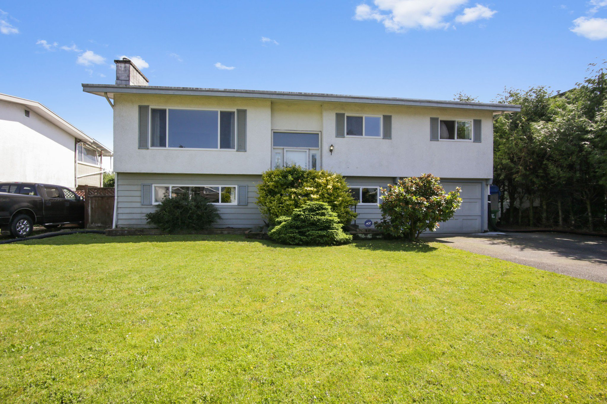 Main Photo: 46616 ARBUTUS Avenue in Chilliwack: Chilliwack E Young-Yale House for sale : MLS®# R2466242