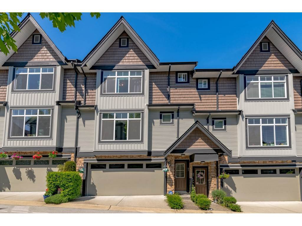 "Main Photo: 63 6299 144 Street in Surrey: Sullivan Station Townhouse for sale in ""Altura"" : MLS®# R2482013"