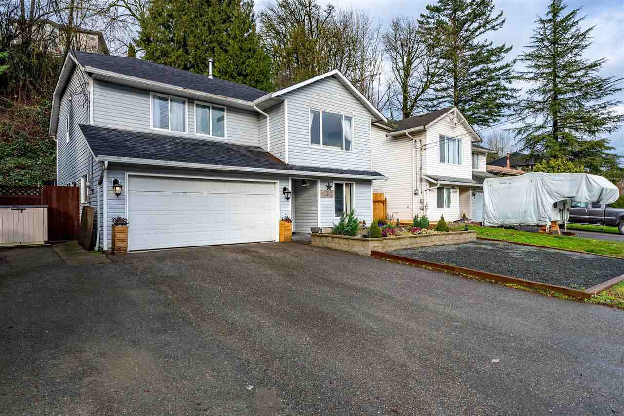 Main Photo: 8621 CHILLIWACK MOUNTAIN Road in Chilliwack: Chilliwack Mountain House for sale : MLS®# R2525932