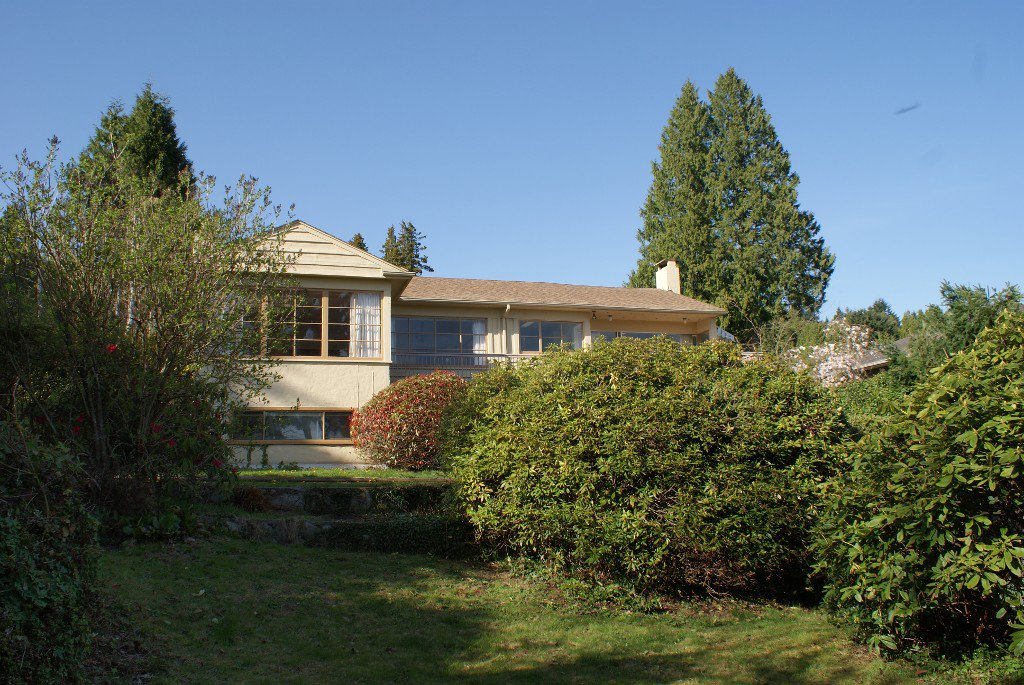 Photo 10: Photos: 2595 Palmerston Avenue in West Vancouver: Dundarave House for rent