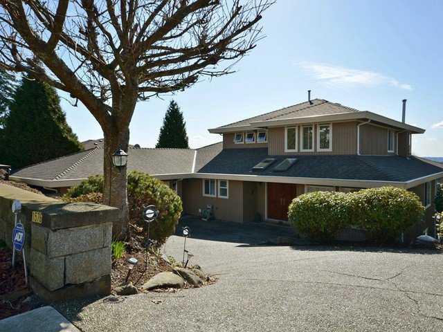 Main Photo: 1576 TYROL PL in West Vancouver: Chartwell House for sale : MLS®# V1106056
