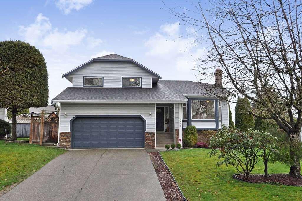 Main Photo: 7982 166B STREET in Surrey: Fleetwood Tynehead House for sale : MLS®# R2150241