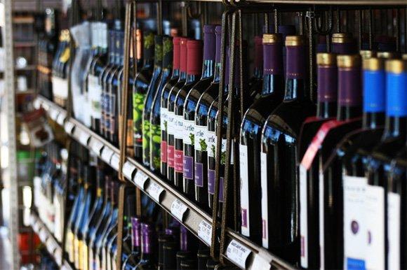 Photo 2: Photos: Liquor store in Surrey: Commercial for sale (Surrey)