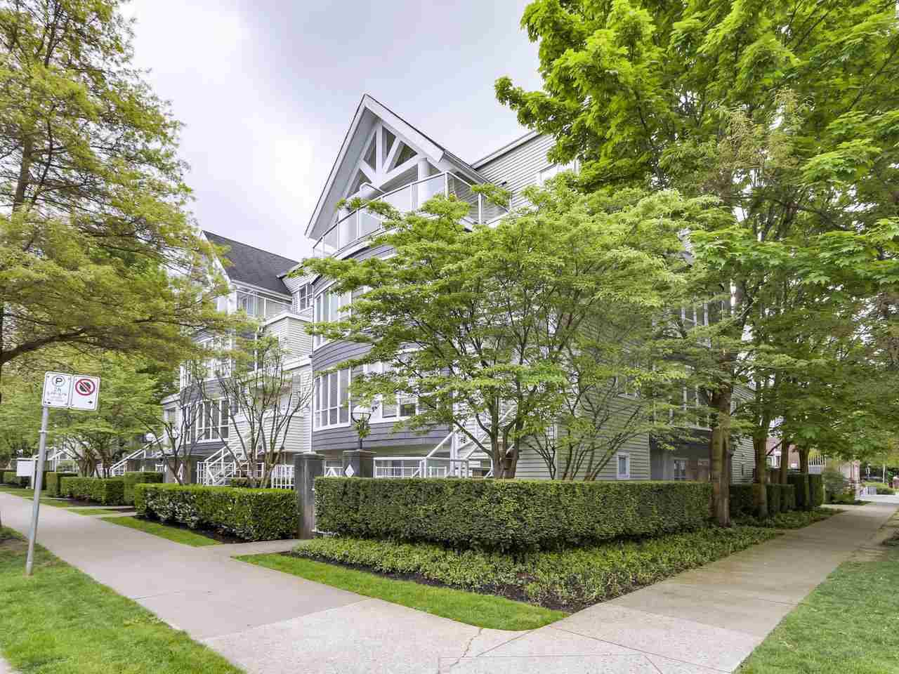 Main Photo: 28 788 W 15TH AVENUE in Vancouver: Fairview VW Townhouse for sale (Vancouver West)  : MLS®# R2296604