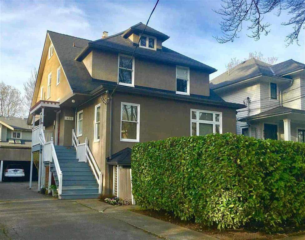 "Main Photo: 435 W 14TH Avenue in Vancouver: Mount Pleasant VW House Fourplex for sale in ""Mount Pleasant / City Hall"" (Vancouver West)  : MLS®# R2404997"