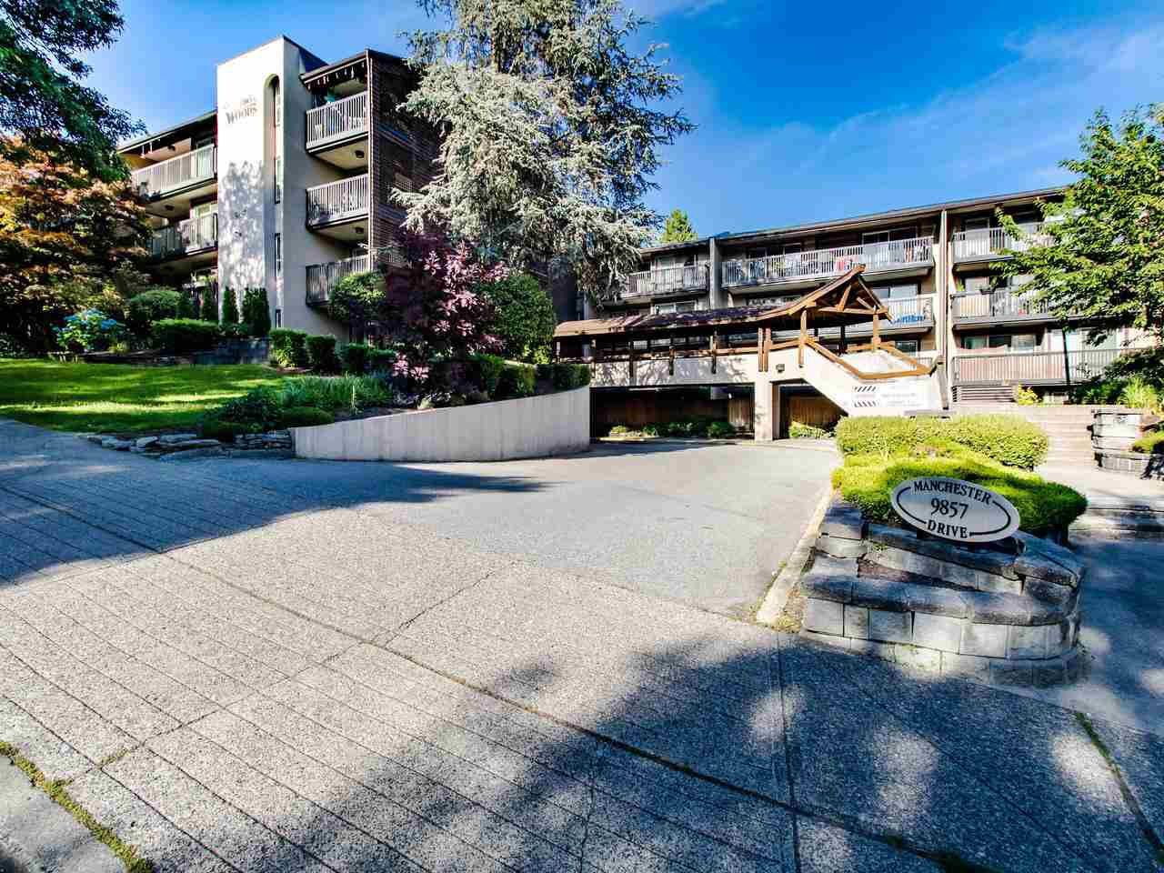 """Main Photo: 415 9857 MANCHESTER Drive in Burnaby: Cariboo Condo for sale in """"Barclay Woods"""" (Burnaby North)  : MLS®# R2469773"""