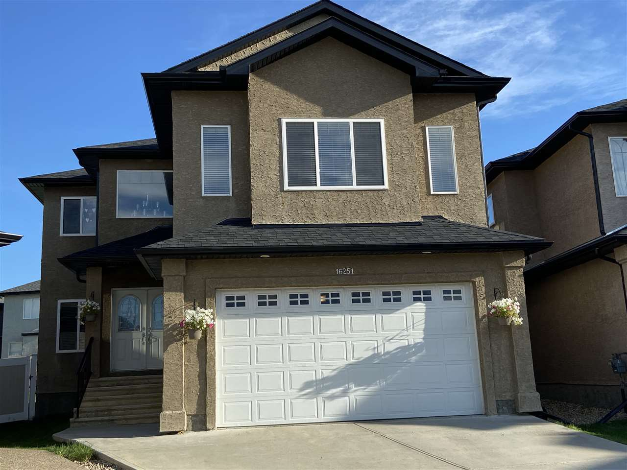 Main Photo: 16251 135 Street NW in Edmonton: Zone 27 House for sale : MLS®# E4209282