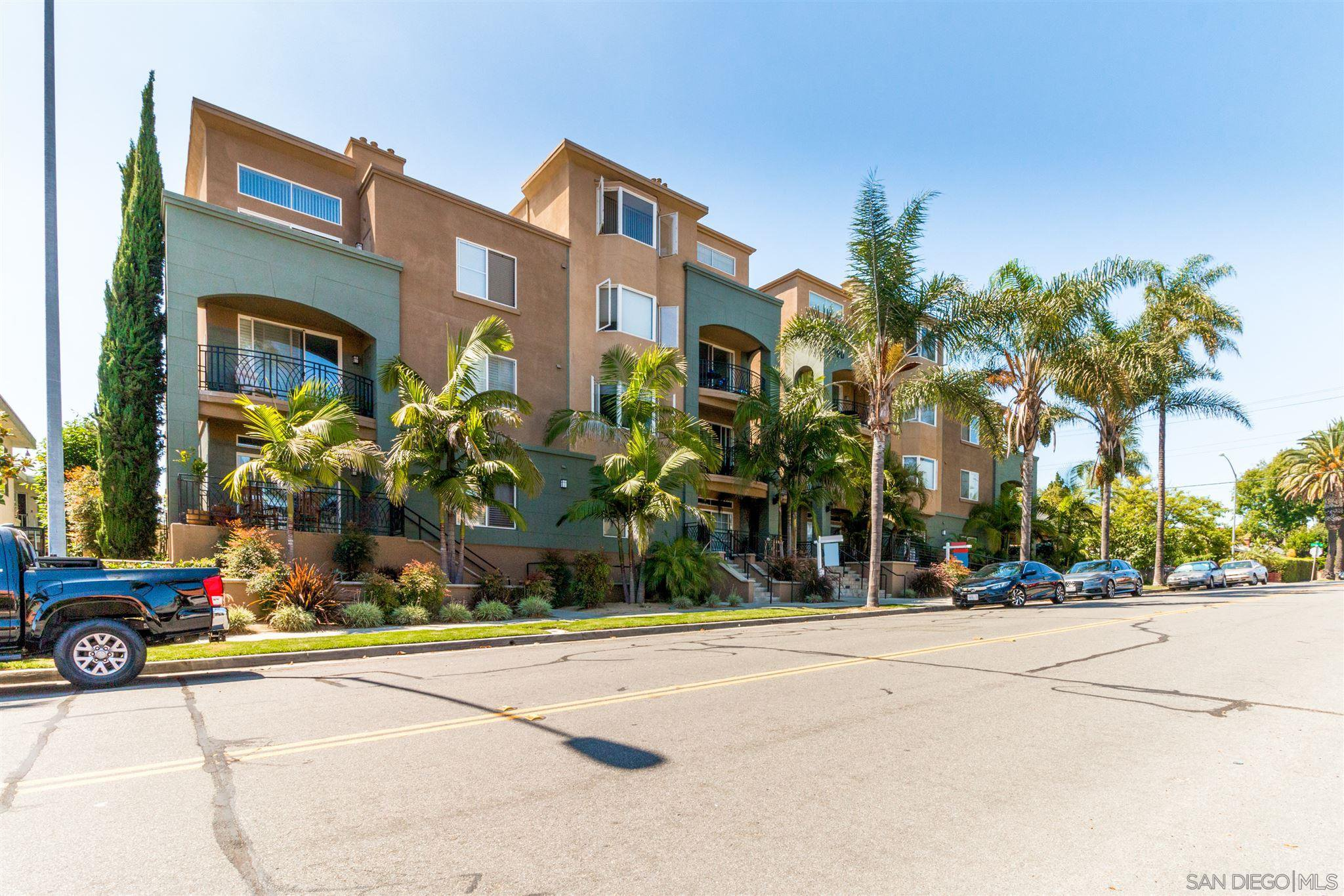 Main Photo: HILLCREST Condo for sale : 2 bedrooms : 3990 Centre St #401 in San Diego