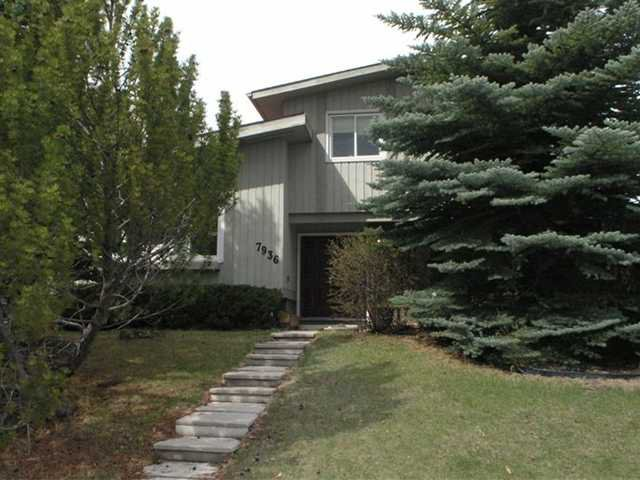 Main Photo: 7936 71 Avenue NW in CALGARY: Silver Springs Residential Detached Single Family for sale (Calgary)  : MLS®# C3522089