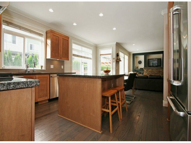 Photo 5: Photos: 17290 1ST AV in Surrey: Pacific Douglas House for sale (South Surrey White Rock)  : MLS®# F1424091