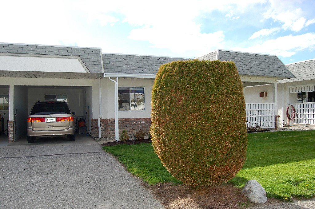 Main Photo: 6 11110 Quinpool Road in Summerland: Main Town Multi-family for sale : MLS®# 166212