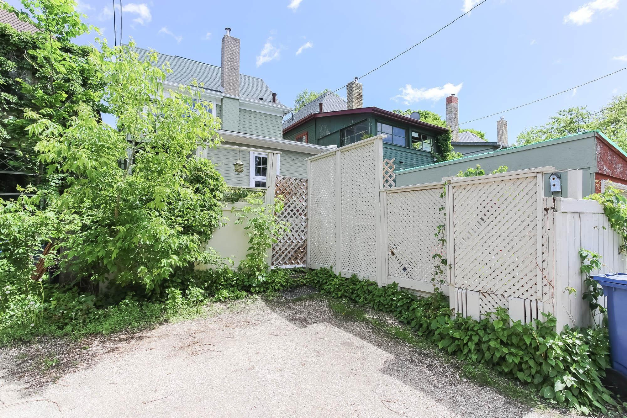 Photo 40: Photos: 108 LENORE Street in Winnipeg: Wolseley Single Family Detached for sale (5B)  : MLS®# 202013079