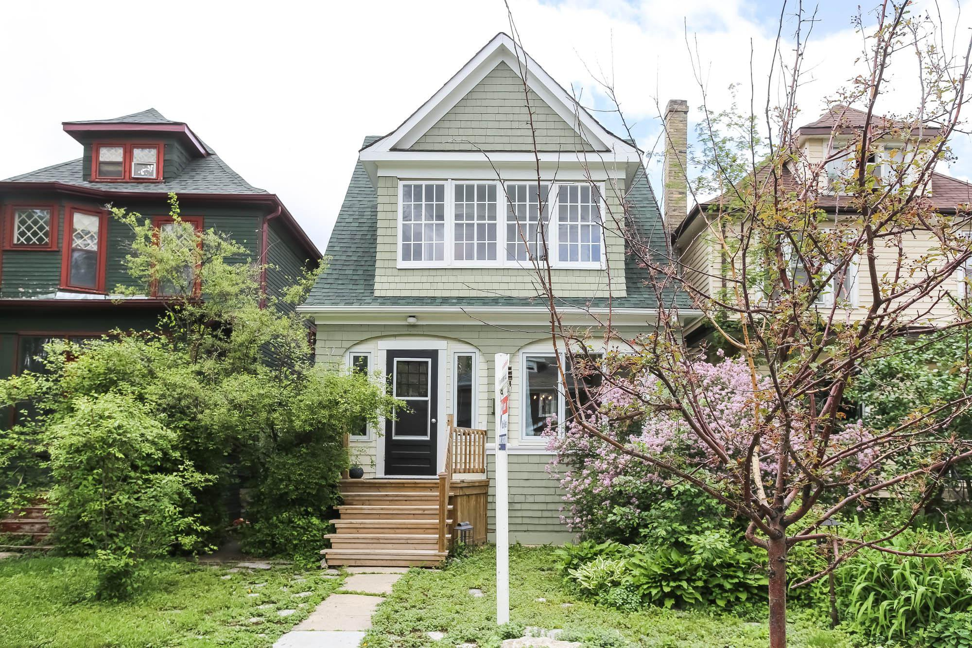 Photo 2: Photos: 108 LENORE Street in Winnipeg: Wolseley Single Family Detached for sale (5B)  : MLS®# 202013079