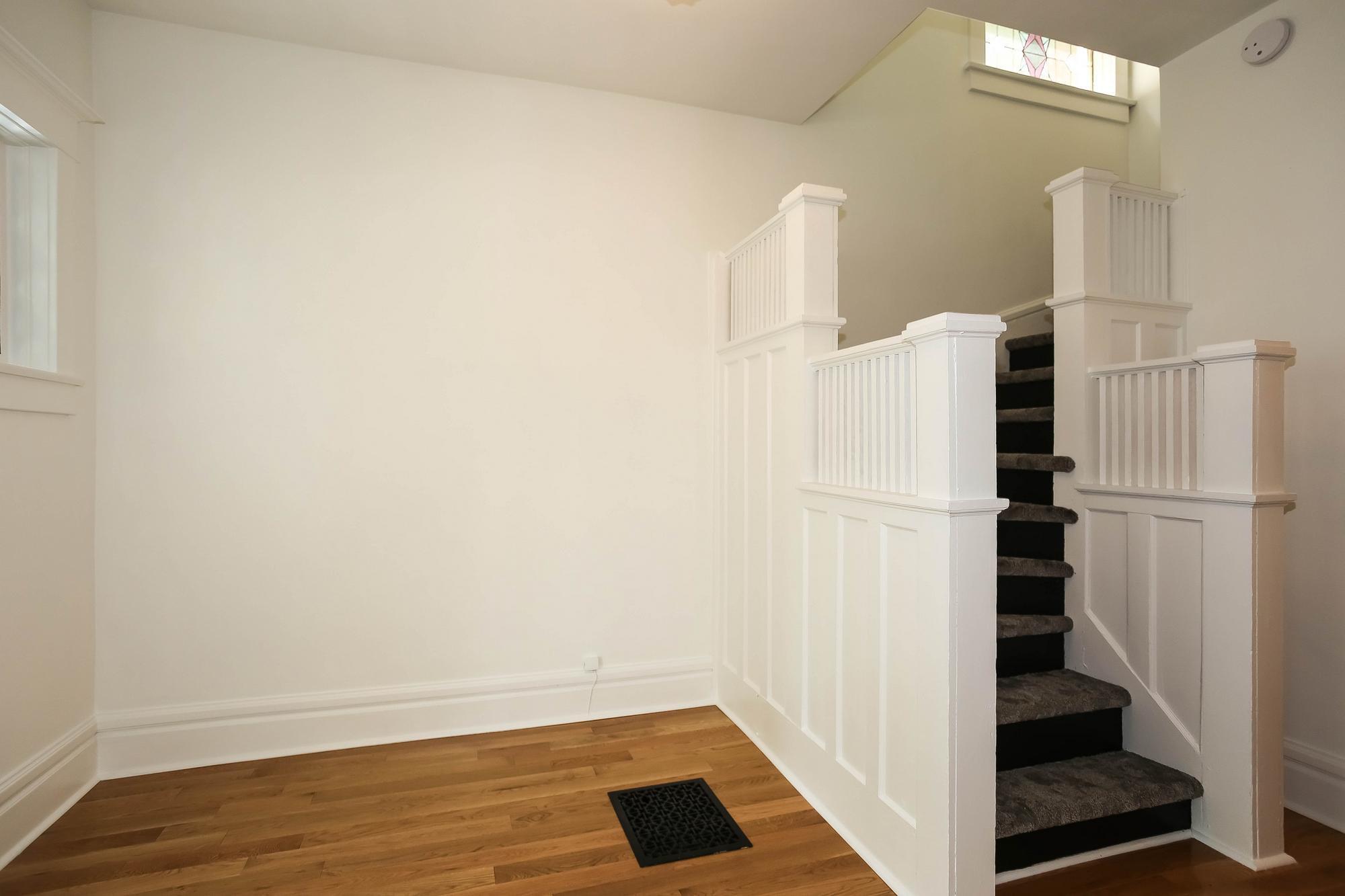 Photo 6: Photos: 108 LENORE Street in Winnipeg: Wolseley Single Family Detached for sale (5B)  : MLS®# 202013079