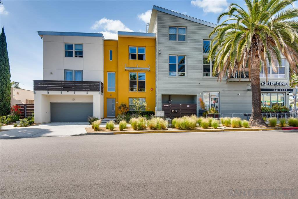 Main Photo: UNIVERSITY HEIGHTS Townhome for sale : 3 bedrooms : 4698 Idaho St in San Diego