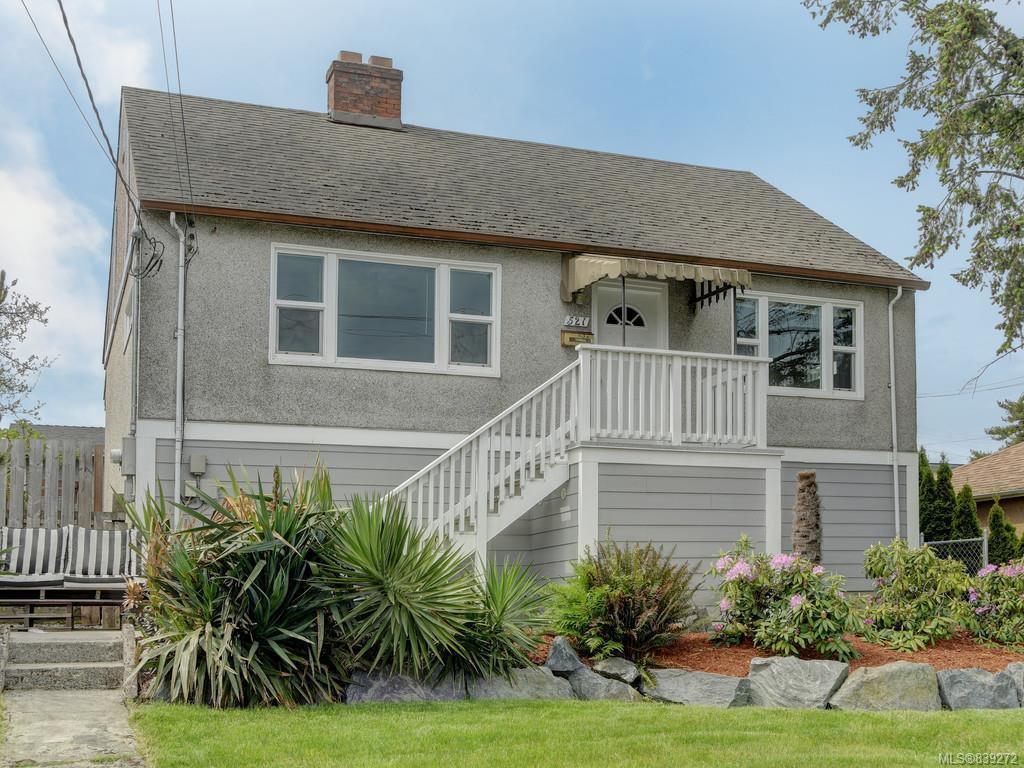 Main Photo: 521 E Burnside Rd in Victoria: Vi Burnside House for sale : MLS®# 839272
