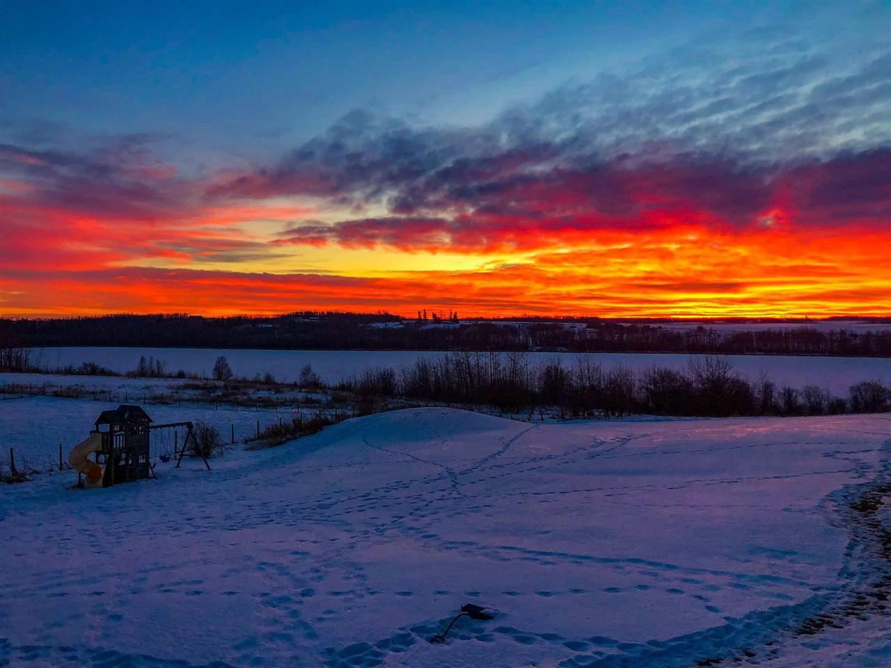 Main Photo: 50 LANDING Drive: Rural Sturgeon County House for sale : MLS®# E4223165