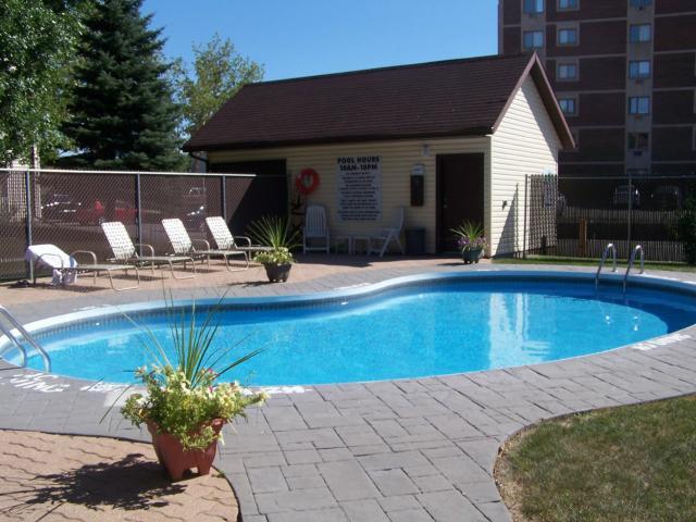Photo 12: Photos: 650 Kenaston Boulevard in WINNIPEG: River Heights / Tuxedo / Linden Woods Condominium for sale (South Winnipeg)  : MLS®# 1218281