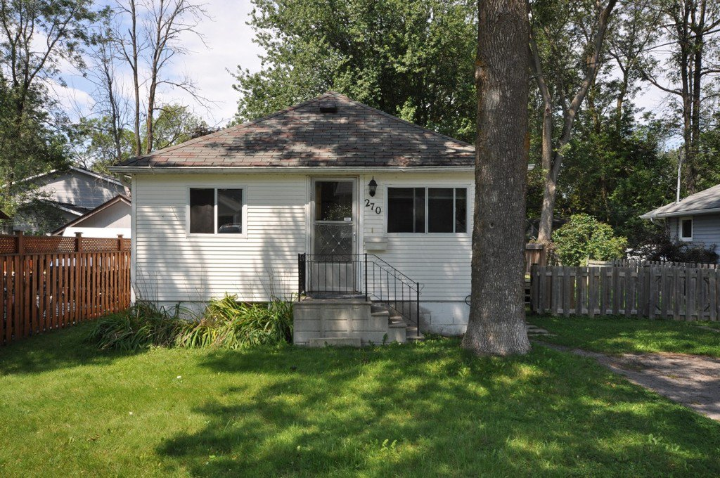 Main Photo: : Freehold for sale : MLS®# N2177451