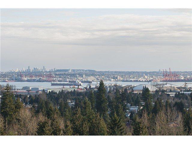 Main Photo: 1604 2016 Fullerton Avenue in North Vancouver: Pemberton NV Condo for sale : MLS®# V1045339