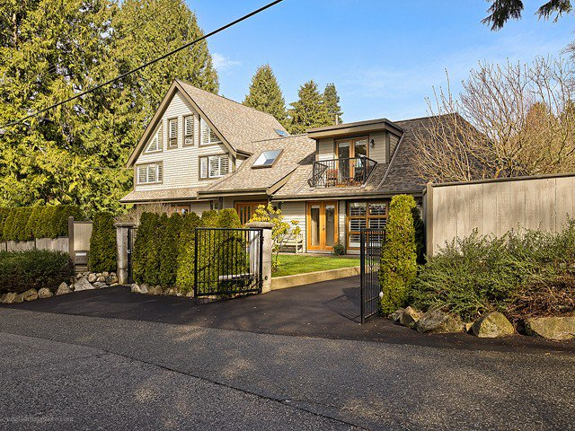 Main Photo: 6001 GLENEAGLES DR in West Vancouver: Gleneagles House for sale : MLS®# V1052753