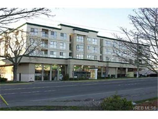 Main Photo: 404 3460 Quadra Street in VICTORIA: SE Quadra Condo Apartment for sale (Saanich East)  : MLS®# 162631