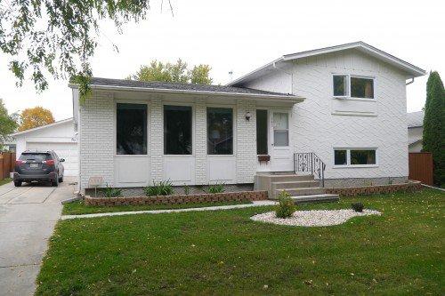 Main Photo: 102 Greyfriars Road in Winnipeg: Fort Richmond Single Family Detached for sale (South Winnipeg)  : MLS®# 1425384