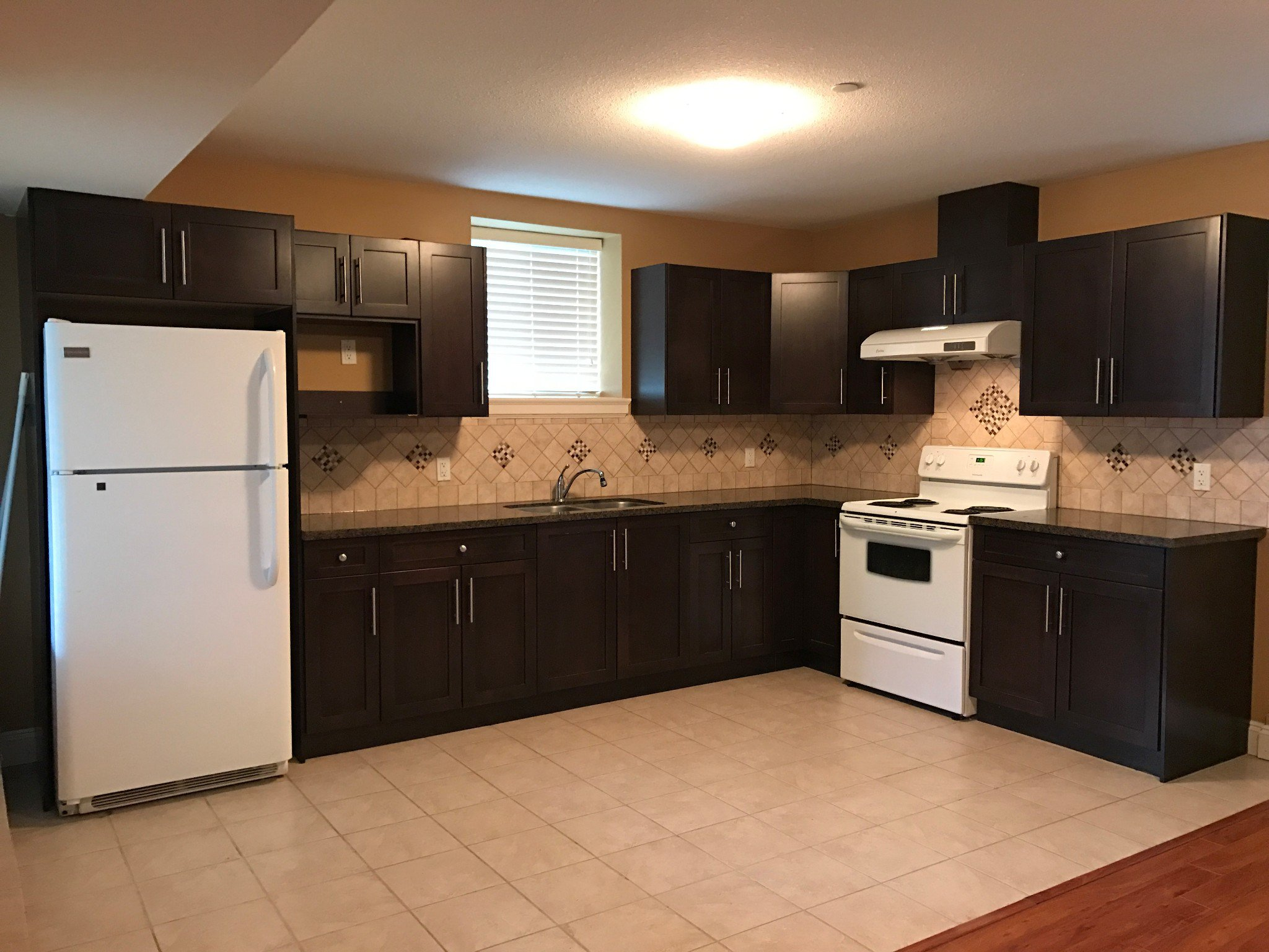 Main Photo: BSMT 31787 Carlsrue Ave. in Abbotsford: Abbotsford West Condo for rent