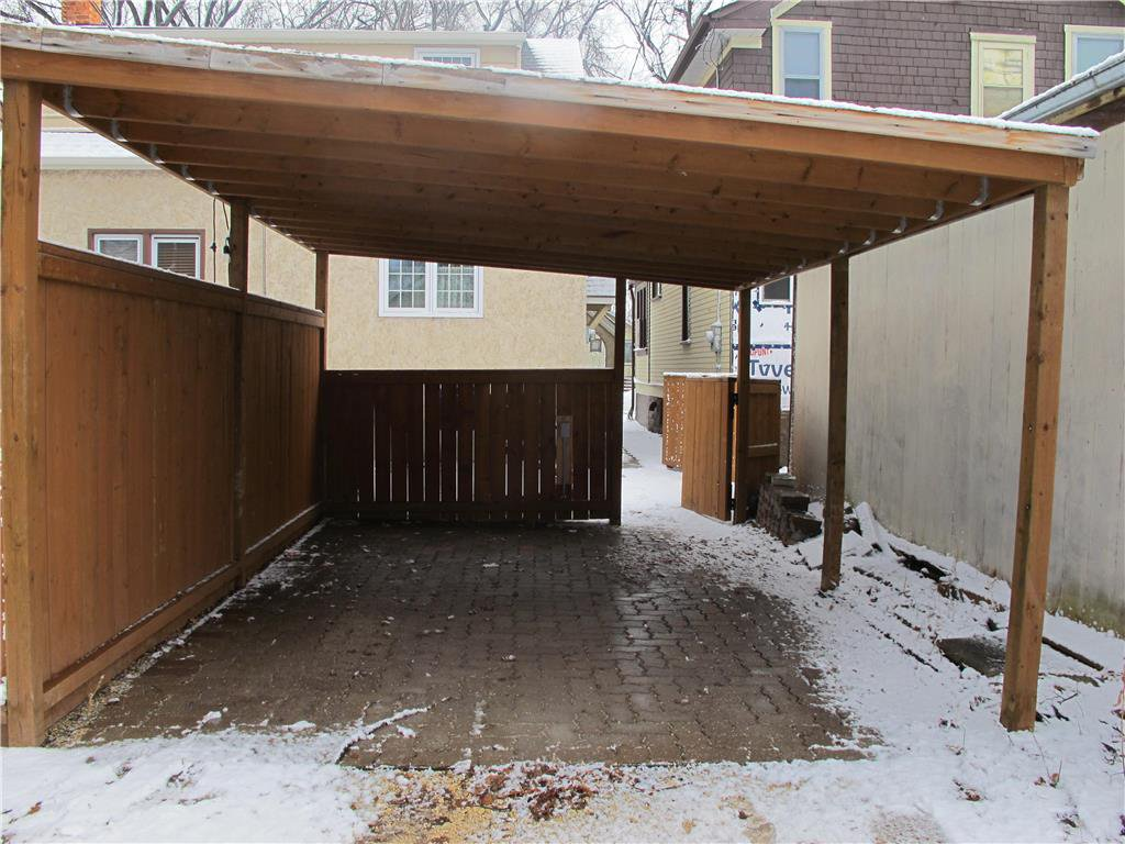 Photo 3: Photos:  in Winnipeg: Polo Park Residential for sale (5C)  : MLS®# 202007556